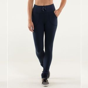 lululemon skinny will pant in inkwell / navy